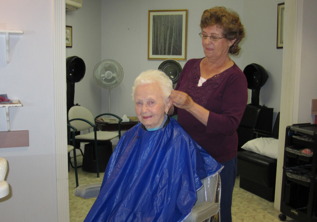 Gables residents have access to a full-service hair salon
